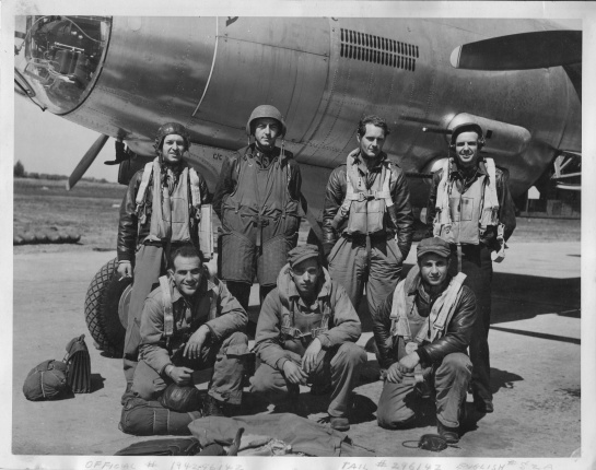 DeeFeater Crew 1944.jpg